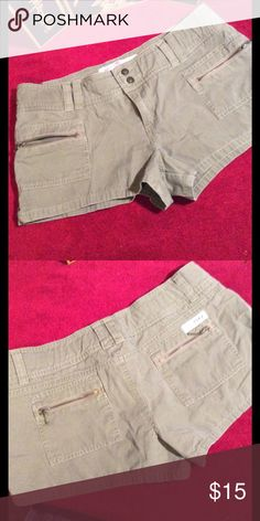 "Roxy $7 when you bundle 3 A light fatigue green didn't translate well in pic 7 1/2"" rise Roxy Shorts"
