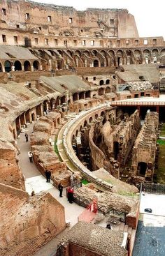 Photo: Coliseum  Coliseum, also known as Flavian Amphitheater, is an oval amphitheater located in the center of the city of Rome, capital of Italy. Built with concrete and sand, it is the largest amphitheater ever built and is situated just east of the Roman Forum. Start of construction: 70 d.C. Inauguration: 80 AD. Height: 48 m Area: 2 ha Architectural style: Ancient Rome Architecture