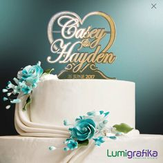 Bespoke cake topper made of gold-tinted mirror acrylic by Lumigrafika. Unique Cake Toppers, Personalized Cake Toppers, Tinted Mirror, Elegant Cakes, Confectionery, Silhouette Design, Table Centerpieces, Special Day, A Table