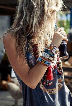 Hippie style - love the bracelets