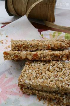 Quinoa-Flax-Hemp Granola Bars w/ Walnuts & Apricots | by @Heather Creswell Schmitt-Gonzalez  www.girlichef.com