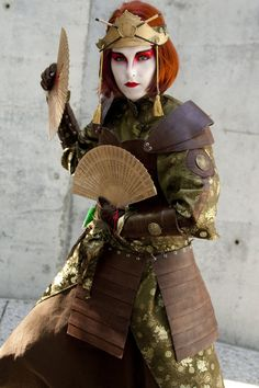 Kyoshi Warrior Suki Cosplay from Avatar The Last Airbender Avatar Cosplay, Cosplay Anime, Epic Cosplay, Amazing Cosplay, Cosplay Outfits, Cosplay Girls, Cosplay Costumes, Avatar Costumes, Funny Cosplay