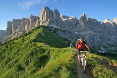 """Sellaronda Mtb Tour: """"eroe"""" per un giorno alla scoperta delle Dolomiti"""