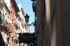 CALLE MAYOR, Alicante. La primera calle comercial de Alicante, junto a la Explanada es otro de los iconos de la identidad comercial alicantina.