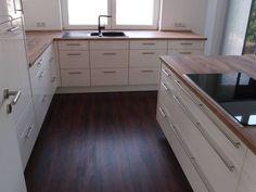 Unsere neue Küche ist fertig. Der Hersteller ist: Nobilia - Nobilia 2014 mit Magnolia Lackfront - Stilrichtung: Moderne Küchen - Datum der Fertigstellung: März 2015