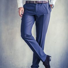 Men's pants pattern in Knip Mode Feb. Mens Dress Pants, Men's Pants, Feb 2017, Pants Pattern, Casual Pants, Joggers, Sewing Patterns, Nordstrom, Man Shop