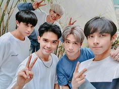 (left to right) Ken (nasa itaas) Stell, Sejun, Josh, Justin Korean Entertainment Companies, Phone Screen Wallpaper, Kuroko, Super Junior, Pop Group, Entertaining, Boys, Music, Random Pictures