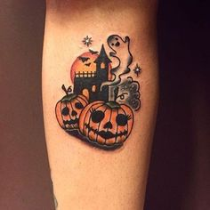 20 Tattoos For Those Who Are Positively Possessed by Pumpkins - Tattoo-Designs - Halloween Dream Tattoos, Future Tattoos, Love Tattoos, Beautiful Tattoos, New Tattoos, Body Art Tattoos, Incredible Tattoos, Anchor Tattoos, Bird Tattoos
