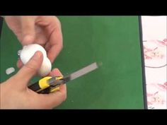 Como hacer pies de fofuchas con deditos usando bolitas o cuentas de collar