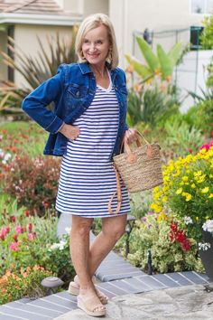 Fashion Over Fifty, Casual Outfits, Fashion Outfits, Photos Of Women, Cotton Dresses, Fashion Photo, Beachwear, Style Inspiration