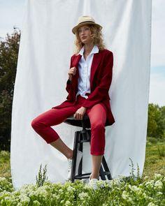 So einfach geht Nachhaltigkeit - mit unserer langlebigen BREDDY'S Crossover Pants aus Rizinus! 🌱 Zu 100% produziert in Europa! Crossover, Prepping, Vegan, Pants, Style, Fashion, Europe, Sustainability, Simple