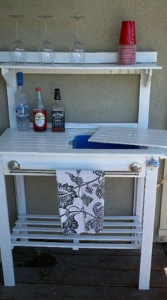 So planning this Cost Plus World Market potting bench turned into outdoor bar by adding towel bar and bottle opener. Brass Bar Cart, Gold Bar Cart, Diy Bar Cart, Bar Cart Decor, Bar Carts For Sale, Outdoor Kitchen Bars, Outdoor Buffet, Outdoor Pallet, Outdoor Dining