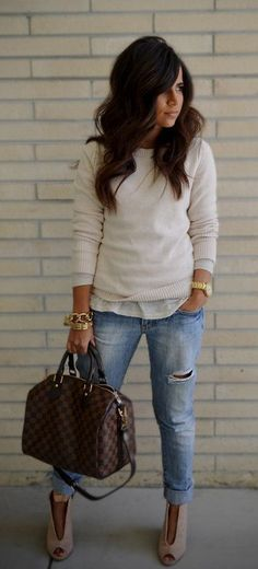 summer outfits White Top + Ripped Jeans