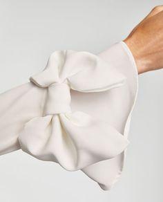 White Fashion, Look Fashion, Fashion Details, Hijab Fashion, Fashion Outfits, Womens Fashion, Fashion Design, Sleeves Designs For Dresses, Sleeve Designs