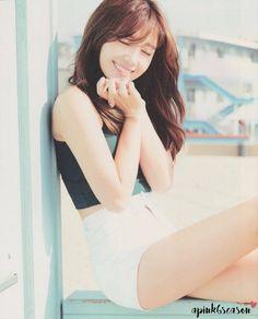 Apink Eunji shows off her flawless body at the beach - Koreaboo Kpop Girl Groups, Korean Girl Groups, Kpop Girls, Eun Ji, Uzzlang Girl, Girl Day, Eunji Apink, Beautiful Asian Girls, South Korean Girls