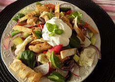 Zeleninový salát s teplým krůtím masem - TopRecepty.cz Cobb Salad, Meat, Chicken, Food, Essen, Meals, Yemek, Eten, Cubs