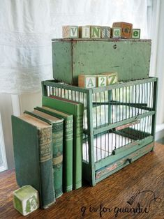 Decorating Farmhouse Style With Green Painted Furniture – decoration,wood,wood working,furniture,decorating French Country Cottage, French Country Style, Cottage Style, Farmhouse Style, Farmhouse Decor, Junk Chic Cottage, Verde Vintage, Vintage Green, Green Painted Furniture