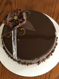Snapped a pic of a cake I made Cake Decorating Frosting, Cake Decorating Designs, Creative Cake Decorating, Cake Decorating Videos, Chocolate Cake Designs, Chocolate Truffle Cake, Amazing Chocolate Cake Recipe, Chocolate Garnishes, Chocolate Desserts