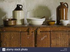 commode antique dans la cuisine de la Maison Drouin, Ile d'Orléans, Québec, Canada Photo