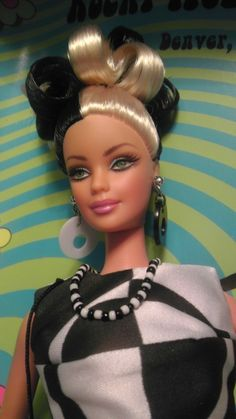 """2002 """"Rocky Mountain Mod"""" Barbie Convention Fashion Doll NRFB Gifts and Pins 