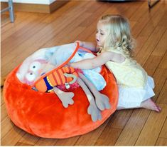 It's a bean bag chair! It's a storage solution! The Animal Bag from Boon is both - it's the perfect place for kids to store an overflow of stuffed animals, and it's also a cozy kid-sized seat. Organizing Stuffed Animals, Storing Stuffed Animals, Stuffed Animal Bean Bag, Stuffed Animal Storage, Little Ones, Little Girls, Casa Kids, Bean Bag Covers, Animal Bag