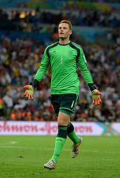 Manuel Neuer of Germany celebrates his team's first goal during the. Fc Bayern Munich, Buffon Goalkeeper, Germany Football Team, Sports Celebrities, Fifa 20, Football Outfits, Fifa World Cup, Fans, Rock
