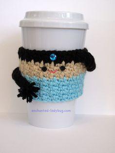 Free Crochet Princess Jasmine coffee cup cozy pattern by The Enchanted Ladybug Crochet Coffee Cozy, Coffee Cup Cozy, Crochet Cozy, Crochet Gratis, Free Crochet, Coffee Latte, Crochet Beanie, Crochet Dolls, Disney Crochet Patterns