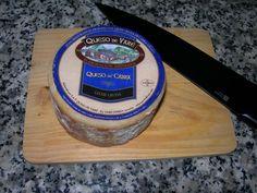 Queso de Varé de cabra (Asturias). De pasta prensada, elaborado con leche pasteurizada. ¡Tan rico como su hermano mayor!