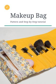 Crafty Travel sewing - How to roll up this great make up bag and brush . - Sewing skills - # sewing Crafty Travel sewing - How to roll up this great make up bag and brush . Easy Sewing Projects, Sewing Projects For Beginners, Sewing Tutorials, Sewing Hacks, Sewing Crafts, Sewing Tips, Sewing Ideas, Makeup Bag Tutorials, Simple Projects