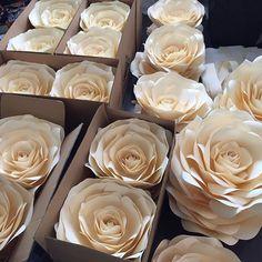 Цветы готовы к отправке #бумажныецветыназаказ #бумажныйдекор #цветыназаказ…