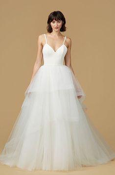 Nouvelle Amsale wedding dress How To Dress For A Wedding, Fairy Wedding Dress, Classic Wedding Dress, Dream Wedding Dresses, One Shoulder Wedding Dress, Ball Dresses, Nice Dresses, Ball Gowns, Amsale Bridal