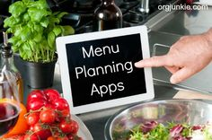 4 Menu Planning Apps to Help You Get Dinner on the Table (I'm an Organizing Junkie) Kitchen Helper, Meal Planner, Menu Planning, Freezer Meals, Ipad App, Cooking Tips, Android Apps, Food And Drink, Favorite Recipes