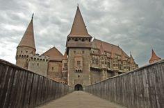 Zamek w Hunedoarze, Rumunia