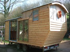 Willow builds alternative small living spaces, such as gypsy caravans, shepherds wagons, tree houses, boat conversions, earth-bag and cob houses.