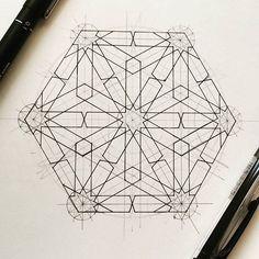 Sacred Geometry Symbols, Geometry Art, Islamic Tiles, Islamic Art, Mosaic Designs, Geometric Designs, Eid Greeting Cards, Dome Ceiling, Islamic Patterns