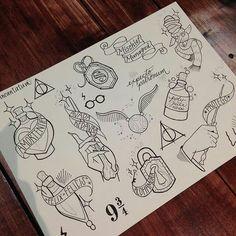 Bilderesultat for flash sheet harry potter Felix flask could be nice Diy Tattoo, Tattoo Geek, Tattoo Ideas, Tattoo Designs, Arte Do Harry Potter, Harry Potter Drawings, Harry Potter Sketch, Body Art Tattoos, Sleeve Tattoos