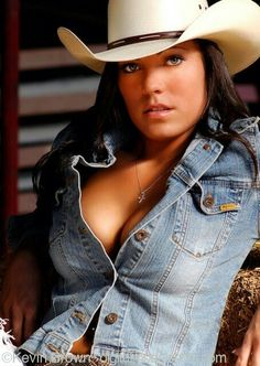 She looks good in a denim shirt and the hat. Cowboy Girl, Sexy Cowgirl, Hot Country Girls, Country Women, Country Heat, Estilo Cowgirl, Rodeo Girls, Redneck Girl, Farmer's Daughter