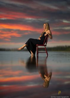 Photo Relax by Jake Olson Studios on Senior Girl Photography, Fashion Photography Poses, Creative Photography, Reflection Photography, Water Photography, Girl Senior Pictures, Senior Photos, Poses Photo, Girl In Water