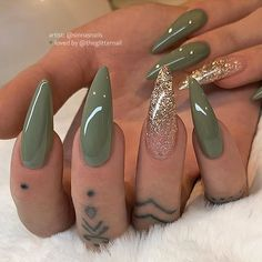 Mud Green with Gold Glitter Ombre on long Almond Nails Nail Artist: sinna Long Almond Nails, Almond Acrylic Nails, Best Acrylic Nails, Acrylic Nails Green, Almond Nail Art, Green Nail Art, Green Nail Designs, Almond Nails Designs, Simple Nail Designs