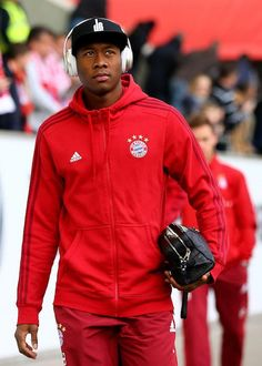 David Alaba before a Bundesliga match between Bayern Munich and VfL Wolfsburg on February 2016 in Wolfsburg, Germany. Fc Bayern Munich, Football Is Life, Height And Weight, Biceps, Year Old, Motorcycle Jacket, Soccer, David, Celebs