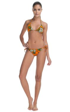 Loving this african bikini! I might buy this. Fashion Model Poses, Fashion Models, Mens Fashion, Figure Poses, Fashion Figures, Body Poses, Swimwear Fashion, Bikini Bodies, African Fashion