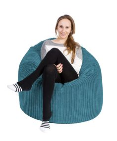 Lounge Pug® , Mini Mammoth bean bags, are the ultimate contemporary pieces for your relaxation space. This beanbag is a substantial round arm chair style beanbag, perfect for students, teenagers & young professionals. Pug Mini, Lounge, Soft Chair, Fabric Structure, Adolescents, Young Professional, Soft Classic, Child Safety, Kids And Parenting