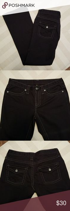 🖤 VS LONDON JEANS 🖤 VICTORIA'S SECRET LONDON JEANS  BLACK WITH WHITE STITCHING! SIZE 8 98%COTTON  2% SPANDEX  NEVER WORN WAIST MEASURES 14 INCHES LAYING FLAT! INSEAM 31 INCHES! EXCELLENT CONDITION! LONDON JEANS Jeans Flare & Wide Leg