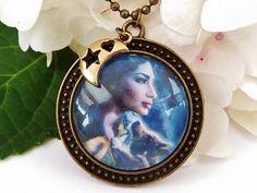 Halskette mit Fantasy Motiv / Frau mit Wolf von Schmucktruhe, €19.50