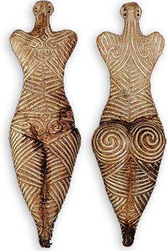 Figurine féminine, culture Cucuteni, 4050–3900 av. J.-C., Botosani County Museum, Roumanie. Néolithique