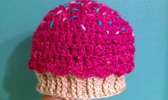 ADORABLE cupcake hat! There's a link to a Free pattern on the blog!