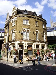 """The old globe pub London ( The frontage to this pub was used in the film """"Bridget Jones's Diary."""" )"""