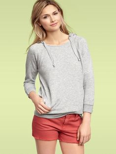 2013 new style fashion clothings, fashion hoodies online outlet, large discount Gap Outfits Women, Clothes For Women, Classy Casual, Casual Looks, Summer Outfits, Cute Outfits, Summer Clothes, Bright Shorts, Looking Dapper