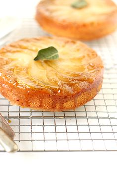 Pear Upside-Down Cake - a perfect + easy fall dessert. #thevanillabeanblog