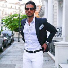 2015-05-23のファッションスナップ。着用アイテム・キーワードは30代, サングラス, シャツ, ジャケット, ブレザー, ポケットチーフ, 白・ホワイトパンツ,etc. 理想の着こなし・コーディネートがきっとここに。  No:109293